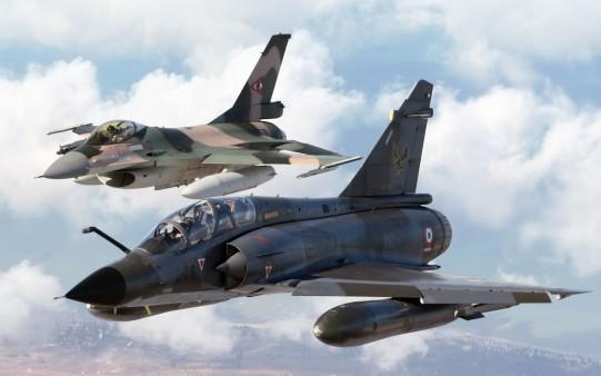 Dos Aviones de Guerra