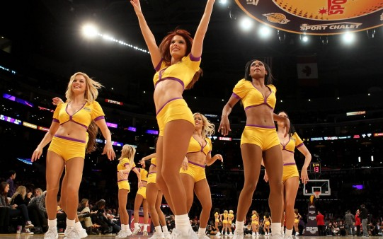 Cheerleaders Lakers.