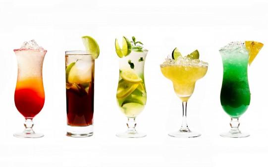 Fondo de Pantalla de Bebidas. Cocktails