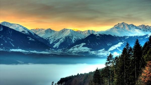 Fondo de Escritorio de Naturaleza. Montañas Nevadas